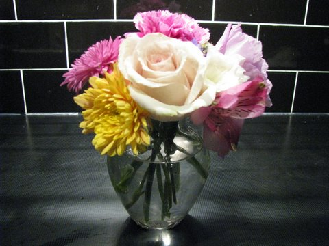 Short Bouquet in Glass Vase