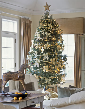 White and gold Chiristmas tree - CL
