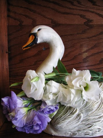 Ever Seen A Swan Full Of Flowers Yonkers Florists Fly Me To The