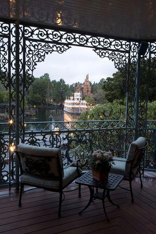 Moon Garden - elegant-balcony