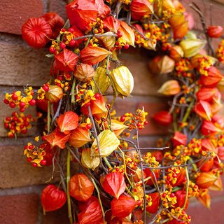 Orange Wreath Chinese lanterns - BHG