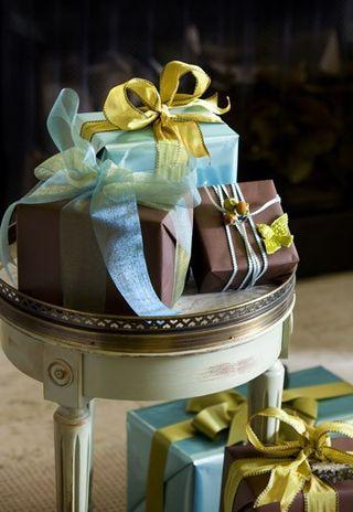 Gift Wrap - Houz.com 2