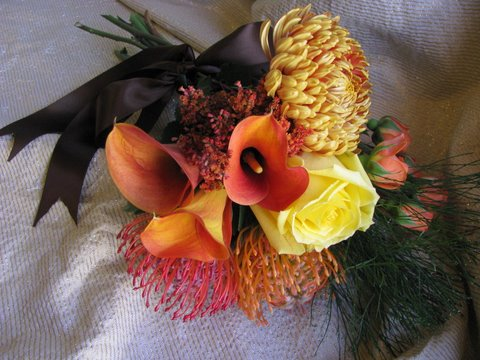 Calla Lily Mango Bouquet