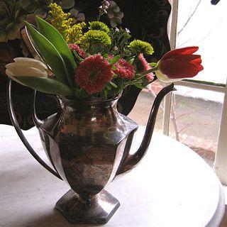 Flower Arrangement Silver-Shop Talk Buzz