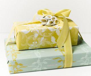 V Day Gift Wrap F