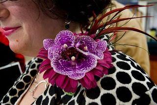 Glamelia corsage