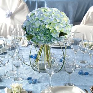 Floral Centerpiece Secrets Part 1: Matching The Arrangement To The