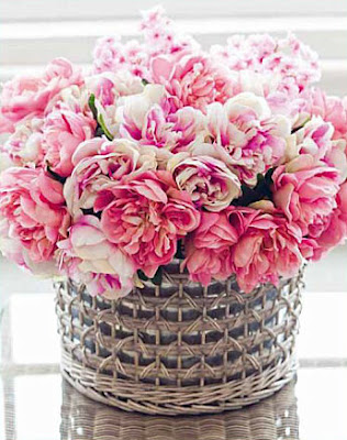 Will you drool over these 14 pink flower arrangements first come pink vd b mightylinksfo