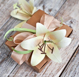 Easter-Lily-Paper