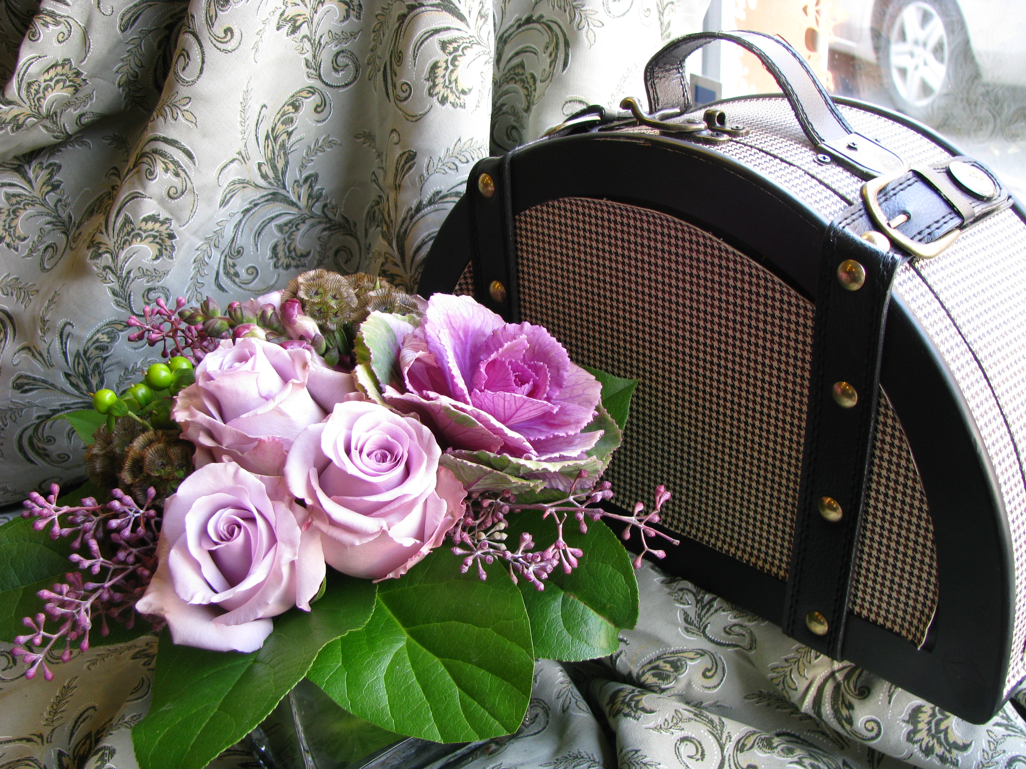 First come flowers flowers 4 reasons to send your valentines day flowers now dhlflorist Gallery